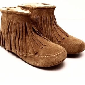 Lucky brand fringe Moccasin boots